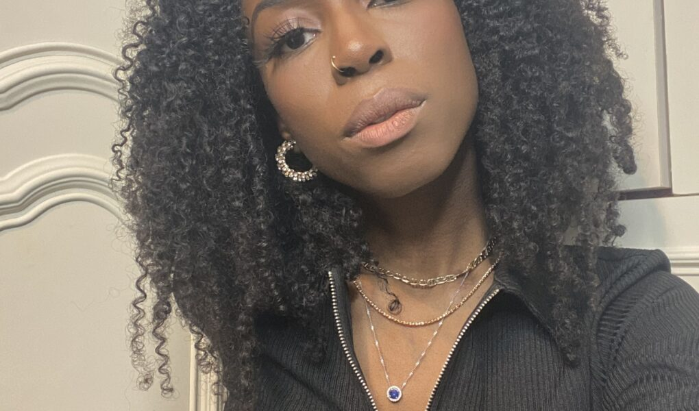 black midi selfie